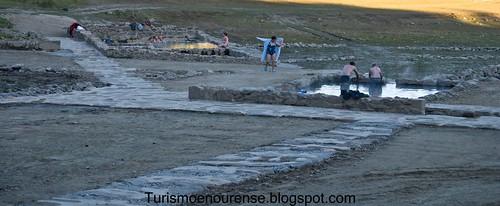 Baños Romanos De Bande:Estos manantiales de agua caliente son utilizados por los vecinos de