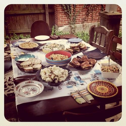 @quinoaween - ladie's tea party