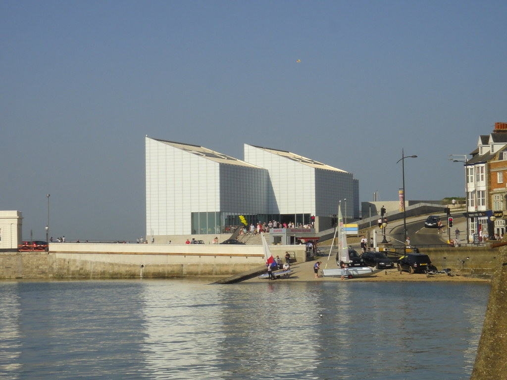 Margate - The Turner Gallery Opening - Apr 2011 - The Gallery Standing Proud