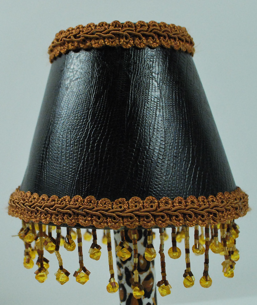 Mini lamp shade with beaded trims