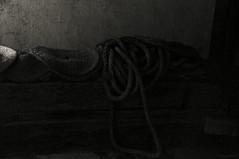 Into the dark / En la oscuridad (SantiMB.Photos) Tags: bw abandoned cuerda iso3200 rope bn press tamron 18200 prensa brighten multiframe abandonado collodion enfoca