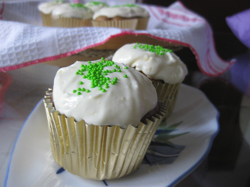 Apple Cupcake w/ frosting