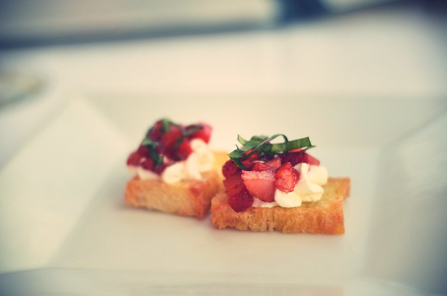 Stawberry goat cheese bruschetta