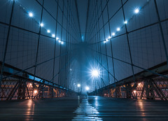 [New edit] Brooklyn Bridge In The Fog (Maria_Globetrotter) Tags: nyc newyorkcity newyork fog night table low tripod perspective mini bynight brooklynbridge