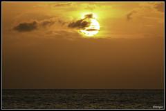 Sunset @ Kaanapali (whizvish) Tags: ocean sunset sun clouds canon hawaii polynesia evening horizon maui 7d 70300mm kaanapali kingdomofhawaii