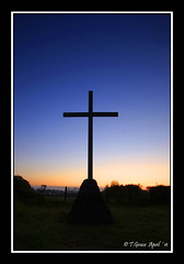 8217  Cross Kilbunny (jonestown_pic /Tom GracePhotography.com) Tags: ireland sunsets tipperary waterford thevee oldbarracks carrickcameraclub