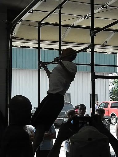 Ronnie working on 30 pull-ups