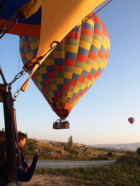 熱氣球準備起飛了