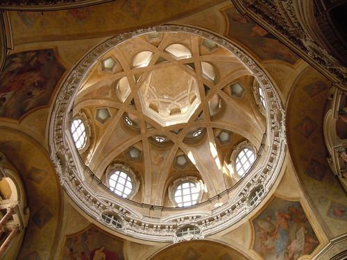 TORINO   ---  Cupola della chiesa di S. Lorenzo