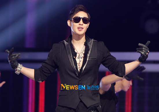 "Kim HyunJoong Confessed ""Ever Bought a Cosplay Female School Uniform Before"" [22.06.11]"