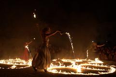 fuoco (Blue Spirit - heart took control) Tags: caorle lalunanelpozzo artistidistrada streetartist danza dance dancer fuoco fire