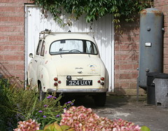 1958 AUSTIN A35 (shagracer) Tags: austin a30 a35 2 door cream off white roofrack roof rack 324uxy