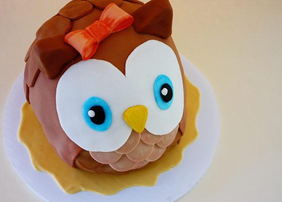 Inspire Create Bake Whoo whoo owl cake