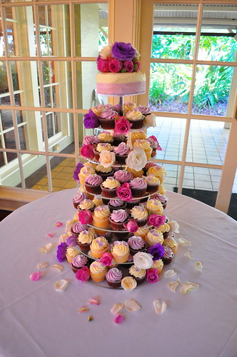 Leanne and Tony's wedding cupcakes by Cupcake Passion (Kate Jewell)