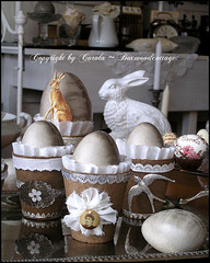 Having fun with peat pots 1 (Boxwoodcottage) Tags: white bunny home silver easter ruffles dresden hare foil interior decoration eggs april ostern swallow borders styling 2011 pappmach frhliche ostereier peatpots coffefilter boxwoodcottage torftpfe
