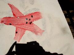 wooooowwwwwwww (LOTTE BLOCK) Tags: shadow red sun streetart berlin rot glitter germany deutschland star spring walk urbanart stern sonne schatten friedrichshain frhling spaziergang glitzer 2011
