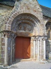 Promenade à Perros-Guirec (delphinecingal) Tags: church brittany bretagne romanesque middleages perrosguirec glise