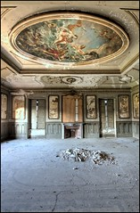 Beauty in Decay (Romany WG) Tags: italy abandoned beautiful gg villa derelict castello fresco urbex hauntingly