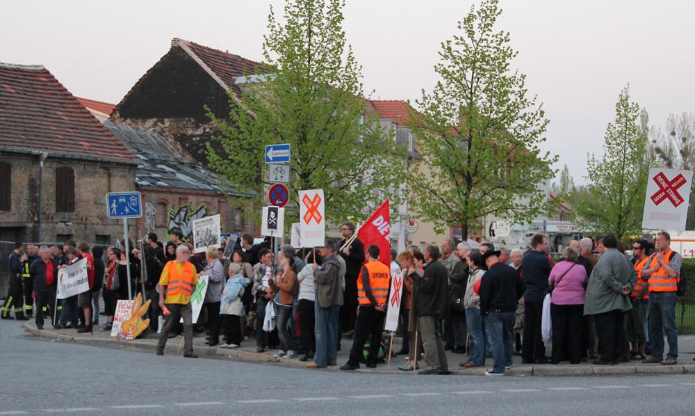 Protest gegen NPD-Kundgebung in Nauen