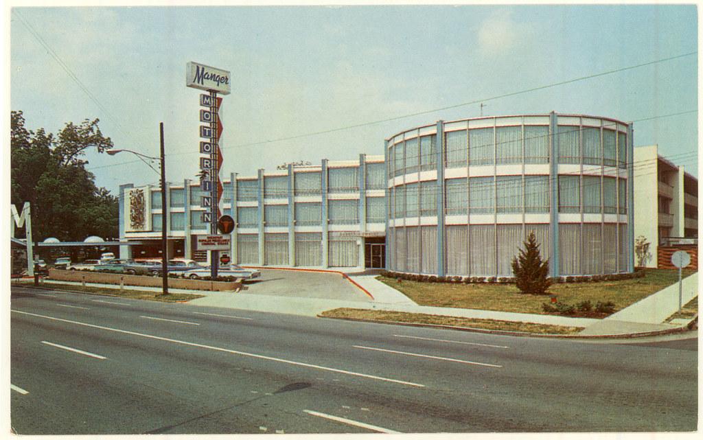 PhC 120 1 535 Manger Motor Inn, Charlotte, NC, postcard