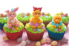 Happy Easter 2011 (Little Cottage Cupcakes) Tags: rabbit bunny grass easter cupcakes egg chick easterbunny easteregghunt fondant easteregg easterchick sugarpaste littlecottagecupcakes