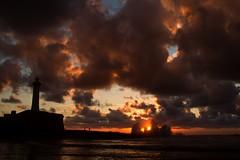 (cafard cosmique) Tags: africa sunset mer photography photo twilight zonsondergang tramonto foto sonnenuntergang image northafrica morocco maroc maghreb puestadesol dmmerung vague crpuscule marru
