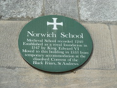 Photo of Green plaque number 6862