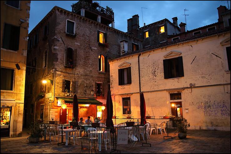 night-cafe