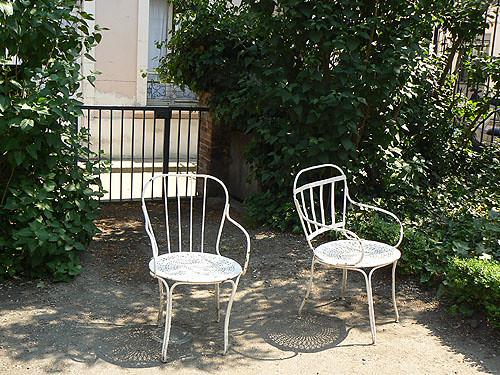 chaises musée Bourdelle.jpg