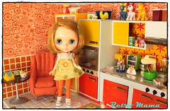...and this is my kitchen! (Retro Mama69) Tags: retro blythe 1960 orangeandyellow retromama kitchentoy retrotoykitchen kitchendiorama vintagetintoykitchen kitchenroombox fuchstoykitchen vintagefuchstoy rementsminiature miniaturetoykitchen niccaskitchen grooviekitchen amscoapartmentfurniture amscodinnette