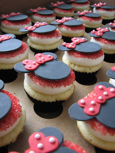 Minnie Ears and bows on mini cupcakes