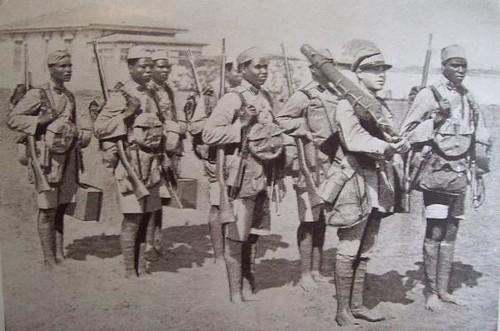 Esquadra de Metralhadoras - Tropas Indigenas de Moçambique_1