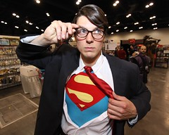 Clarke Kent transformation (mlsnp) Tags: game fun costume kent downtown comic texas play transformation tx houston superman gaming gamer convention comicbook scifi horror conventioncenter spacecity cos con clarke manofsteel grb georgerbrown eventphotography comicpalooza