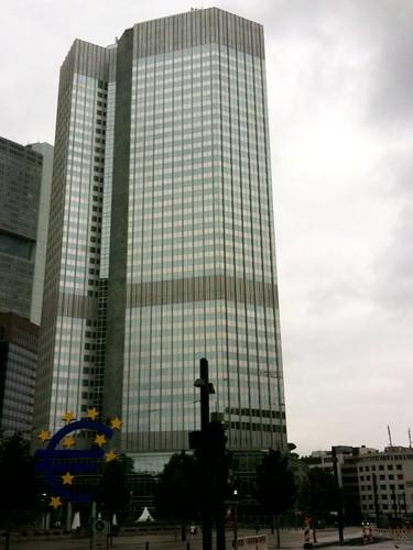 <span>francoforte</span>Il palazzo del potere, THE EUROTOWER<br><br><p class='tag'>tag:<br/>francoforte | luoghi | </p>
