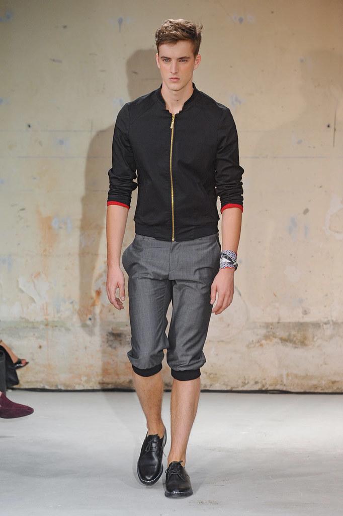 SS12 Paris Christian Lacroix005_James Smith(Homme Model)