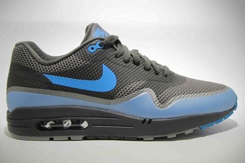 Nike 454745-002 Air Max 1 Fuse Premium Black_Blue Glow_01