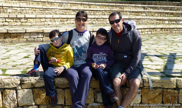 Por fin una foto de los cuatro juntos en las gradas de Hierapolis