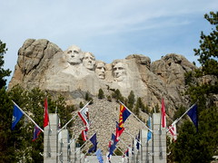 Mount Rushmore National Memorial, SD (twiga_swala) Tags: south dakota mountrushmore tourist attractions iconic sculpture mountain carving presidents heads faces relief southdakotausanorthamericapenningtoncountyblack hills town small americana resort