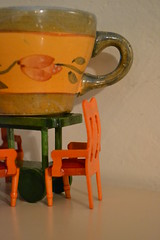Half cup of tea? (Noire sirne) Tags: cup break chairs proportion sedie tazza pausa