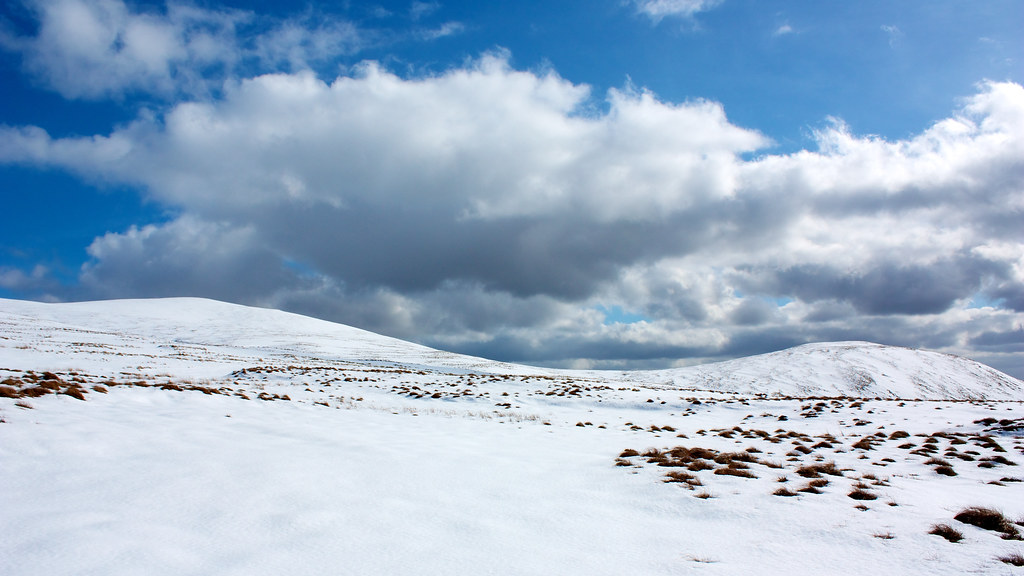 Big skies over Ben Buck and Ben Cleuch