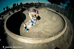 Front hand to nose. Lien air? (JulianBleecker) Tags: california sport iso200 unitedstates skateboarding skatepark northamerica manual f56 16mm sk8 skateboarder culvercity flashfired 16mmf28 culvercityskatepark 133m sec 2007483 morganwolf secatf56