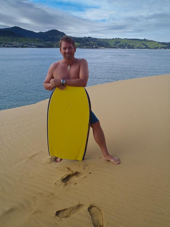 sand-boarding-hokianga-new-zealand-kiwi