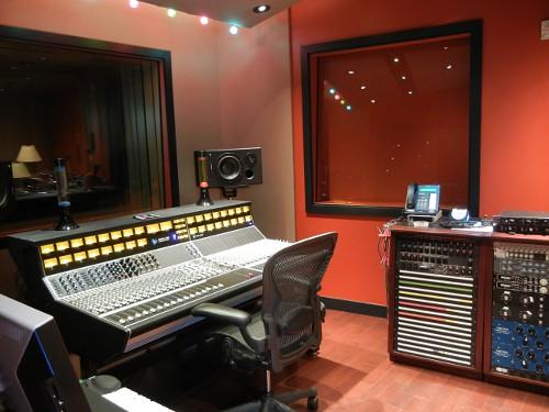 Studio Trilogy 2483