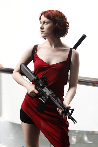 Wondercon: Resident Evil, Alice Cosplay