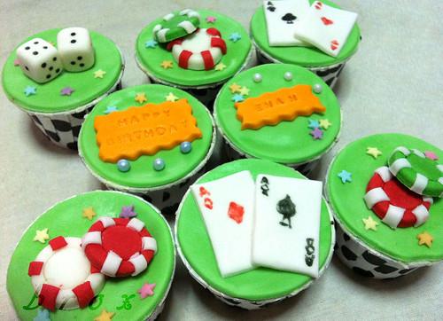 poker theme cupcakes