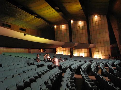 Teatro na passagem de som