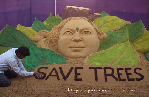 Save Tree – Sudarsan's sand sculpture