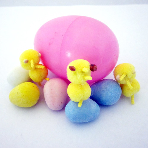 How to Make Pompom Peeps 0178