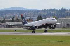 A320 one wheel down (pdx.rollingthunder) Tags: us airways a320232 n602aw