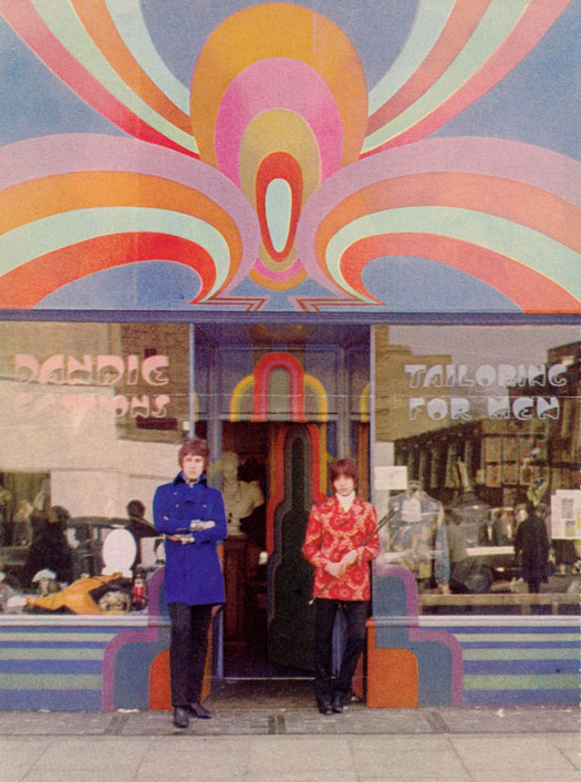 Alan Holston & Freddie Hornik outside Dandie Fashions 161, Kings Road.